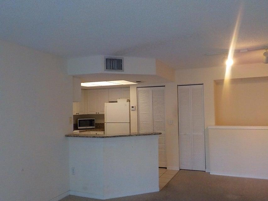 800 Crestwood Court 805 Royal Palm Beach, FL 33411 photo 11