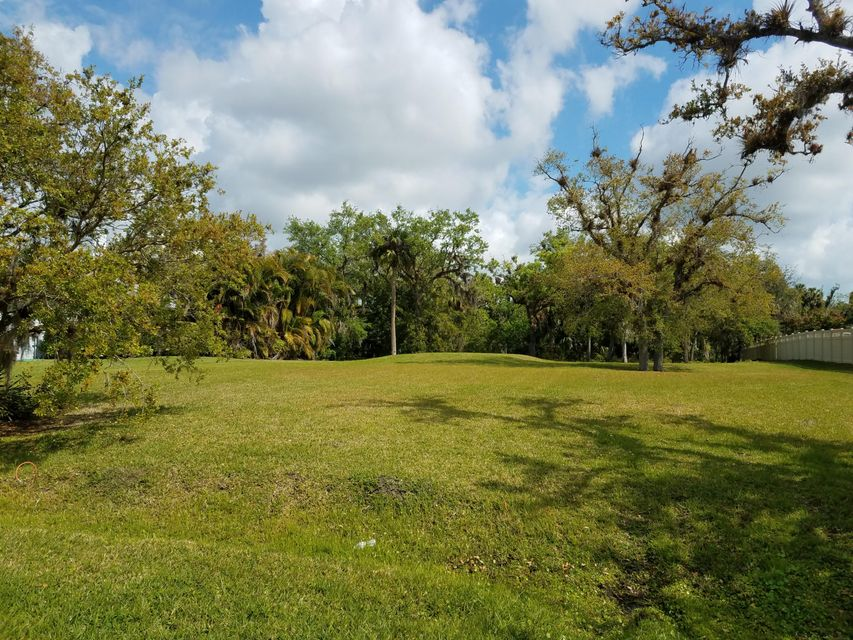 Single Family Home for Sale at 2004 Winding Creek Lane 2004 Winding Creek Lane Fort Pierce, Florida 34981 United States