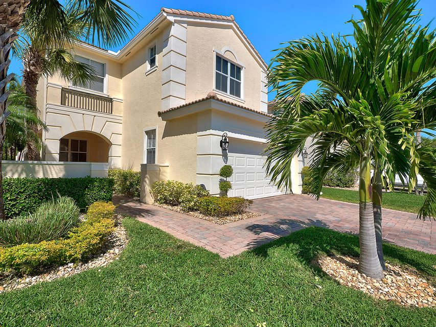 203 Isle Verde Way  Palm Beach Gardens FL 33418