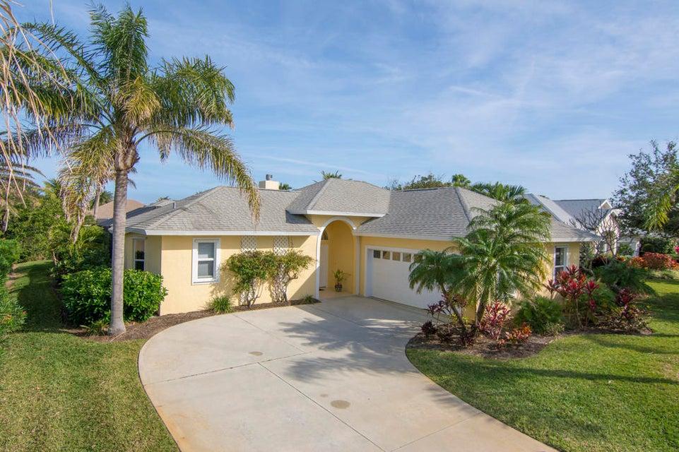 Single Family Home for Sale at 1630 Cherrystone Way 1630 Cherrystone Way Vero Beach, Florida 32963 United States