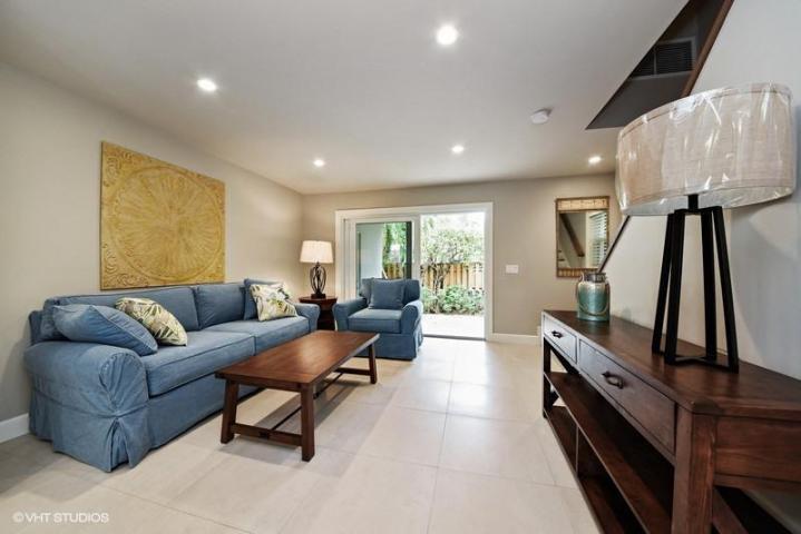Townhouse for Rent at 137 NE 7th Avenue 137 NE 7th Avenue Delray Beach, Florida 33483 United States