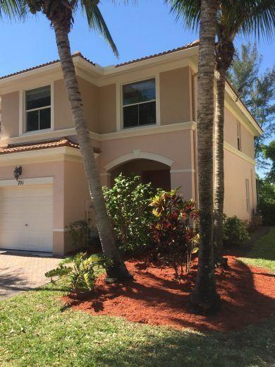 701 Seminole Palms Drive Lake Worth, FL 33463 photo 2