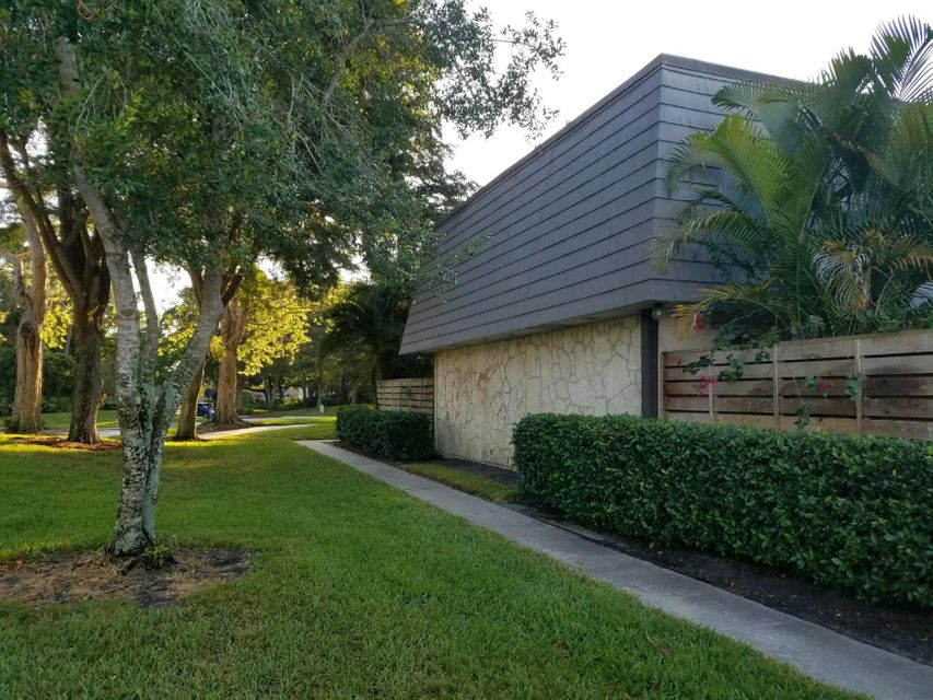1010 10th Terrace , Palm Beach Gardens FL 33418 is listed for sale as MLS Listing RX-10415144 13 photos