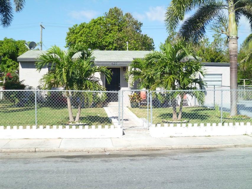 623 S E Street  Lake Worth, FL 33460