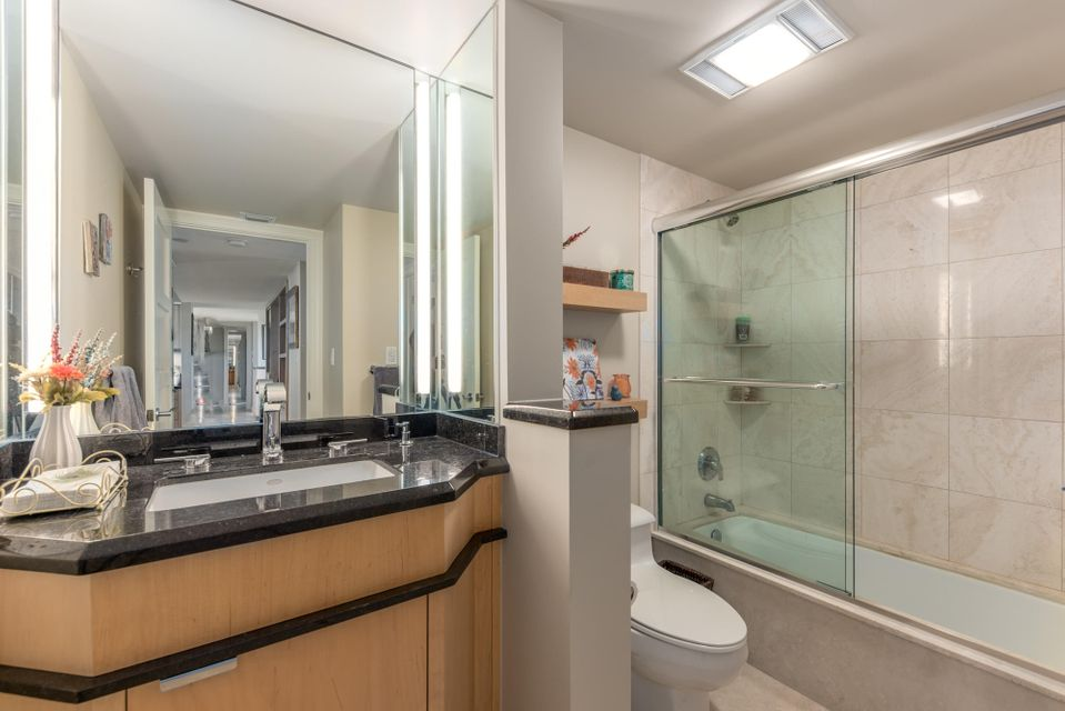 BERMUDA COND OF THE ISLAND AT RIVE HARBOUR UNIT 403