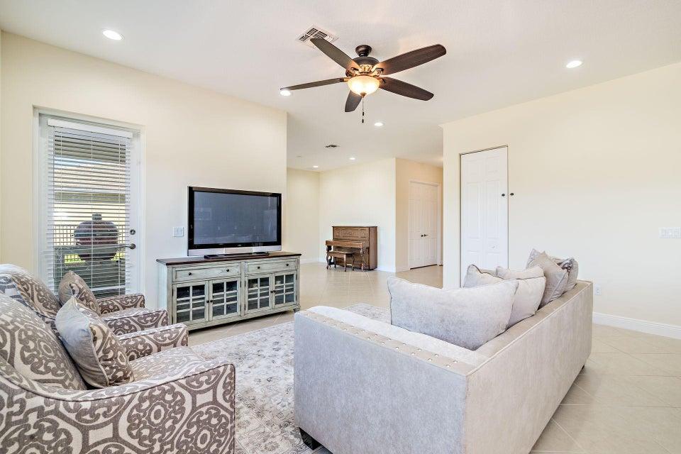 2095 Belcara Court Royal Palm Beach, FL 33411 photo 12