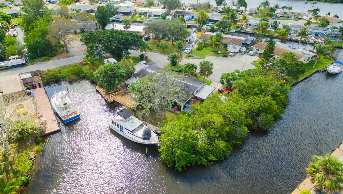 Villa for Sale at 2425 SW Hideaway Lane 2425 SW Hideaway Lane Stuart, Florida 34994 United States