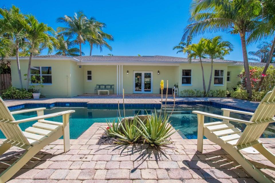 225 Russlyn Drive West Palm Beach, FL 33405 photo 3