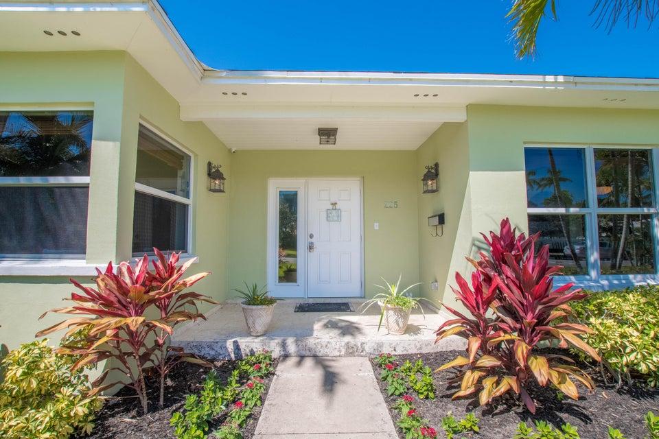 225 Russlyn Drive West Palm Beach, FL 33405 photo 18