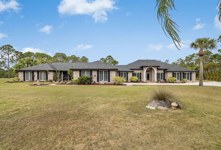 14880 Crazy Horse Lane , Palm Beach Gardens FL 33418 is listed for sale as MLS Listing RX-10415439 39 photos