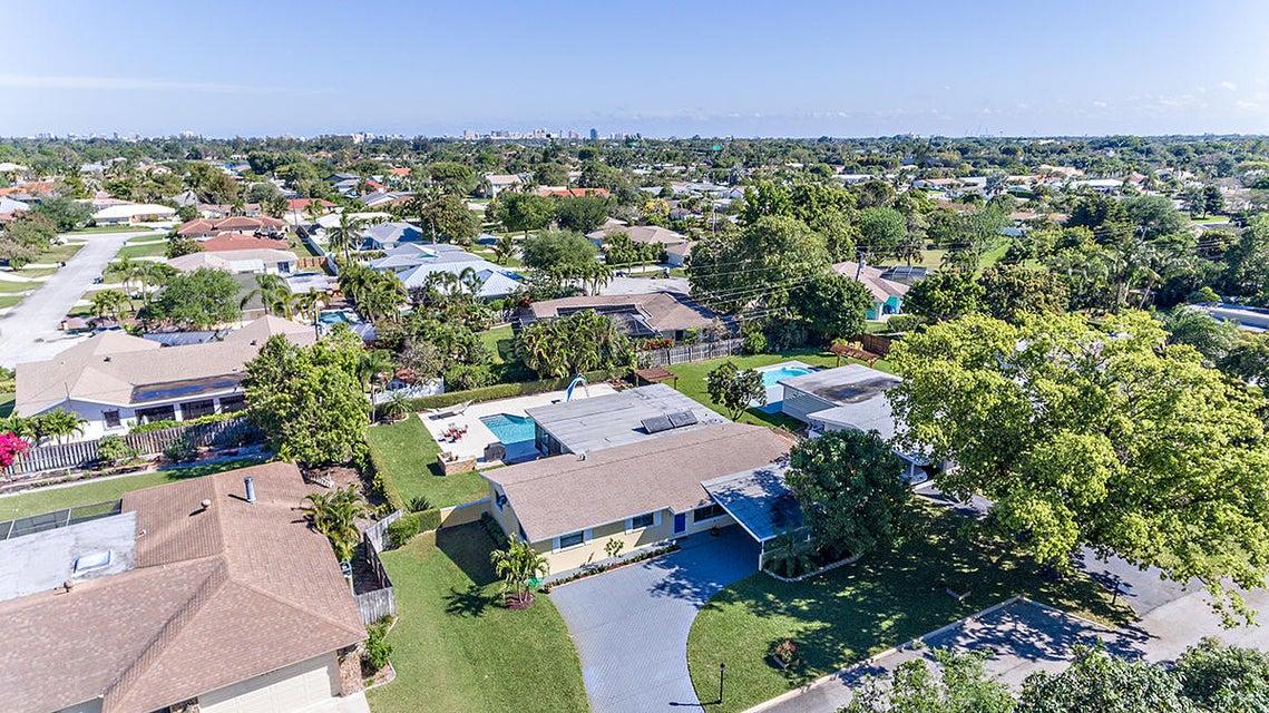 1715 Mango Circle  West Palm Beach FL 33406
