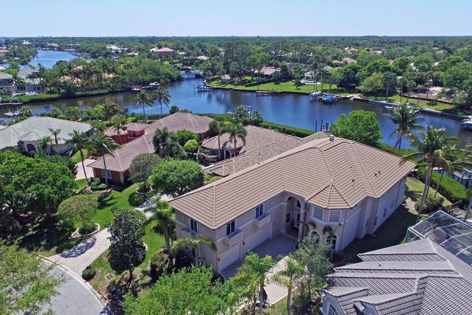 Single Family Home for Sale at 8871 SE Compass Island Way 8871 SE Compass Island Way Jupiter, Florida 33458 United States