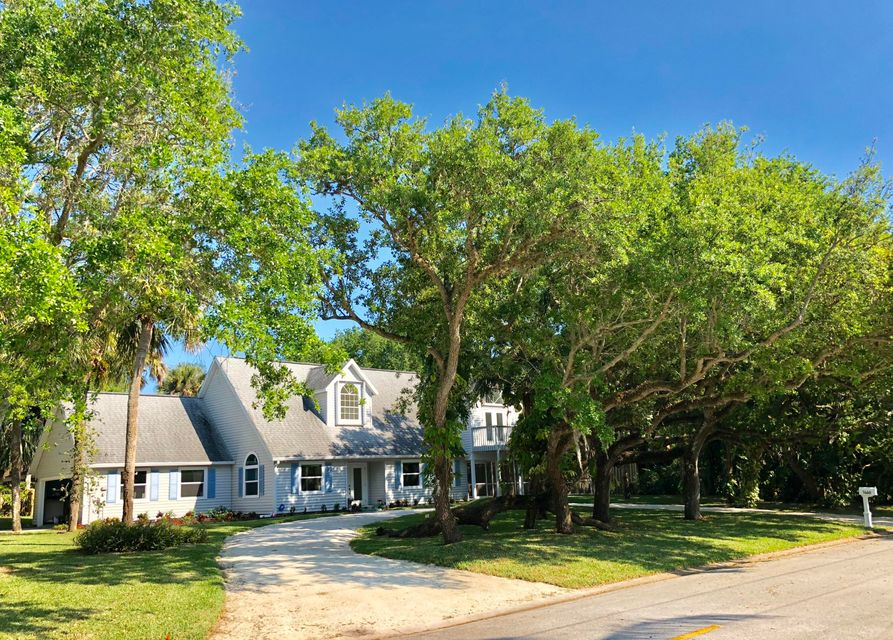 Single Family Home for Sale at 1460 Club Drive 1460 Club Drive Vero Beach, Florida 32963 United States