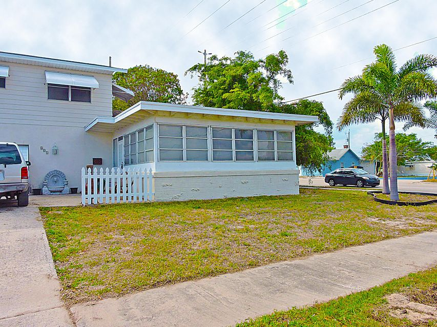 601 Grove Street Lake Worth, FL 33461 photo 2