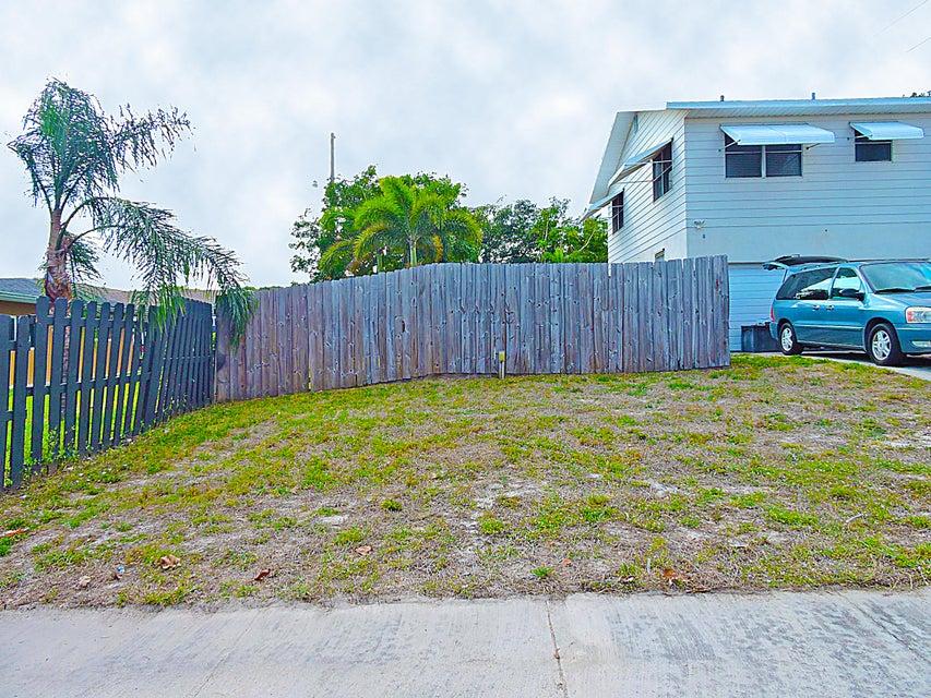 601 Grove Street Lake Worth, FL 33461 photo 10