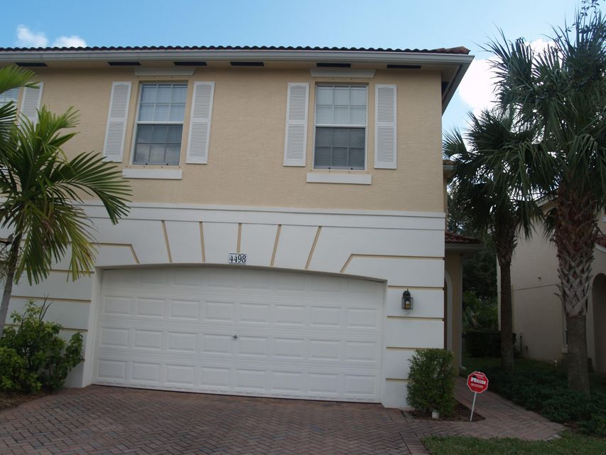4498 Thornwood Circle , Palm Beach Gardens FL 33418 is listed for sale as MLS Listing RX-10415623 25 photos
