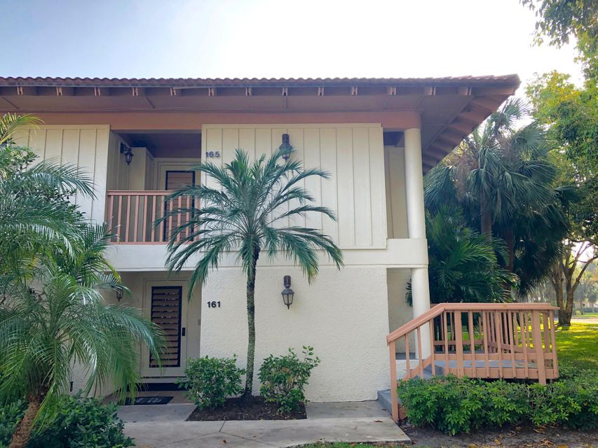 165 Bracken Wood Road , Palm Beach Gardens FL 33418 is listed for sale as MLS Listing RX-10416356 16 photos