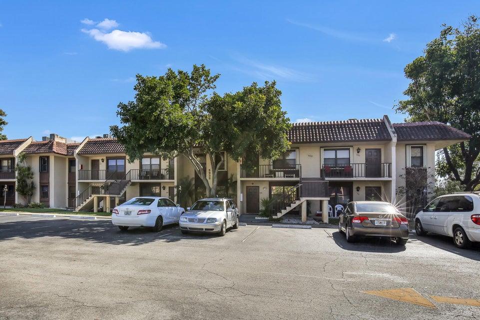 5939 Forest Hill Boulevard 203  West Palm Beach, FL 33415