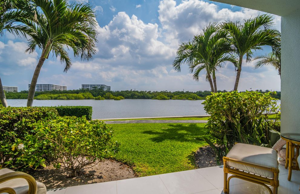 2165 Ibis Isle Road 5 , Palm Beach FL 33480 is listed for sale as MLS Listing RX-10416183 28 photos