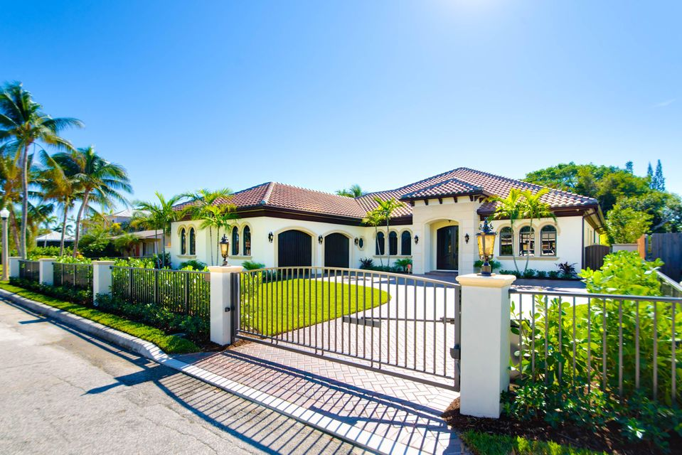Single Family Home for Sale at 138 Alhambra Place 138 Alhambra Place West Palm Beach, Florida 33405 United States