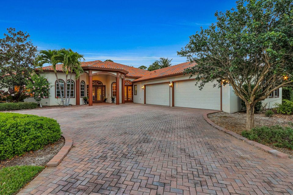 Single Family Home for Sale at 10063 SE Osprey Pointe Drive 10063 SE Osprey Pointe Drive Hobe Sound, Florida 33455 United States