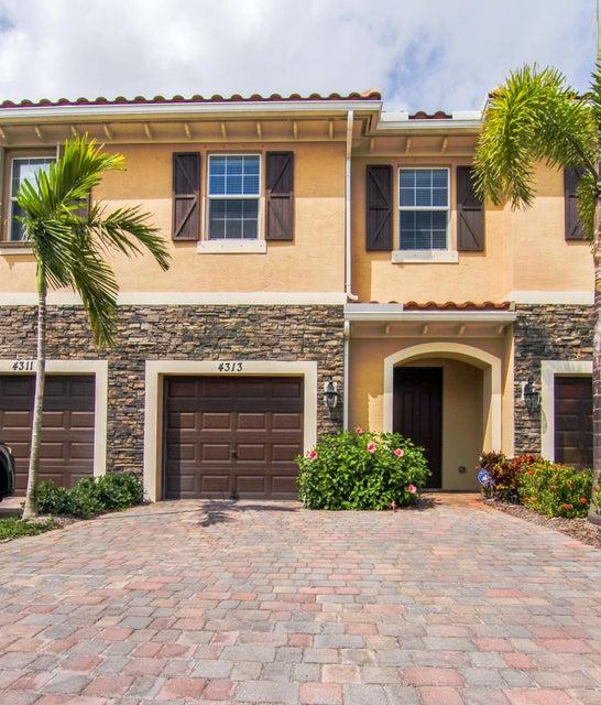 4313 Brewster Lane West Palm Beach, FL 33417 photo 2