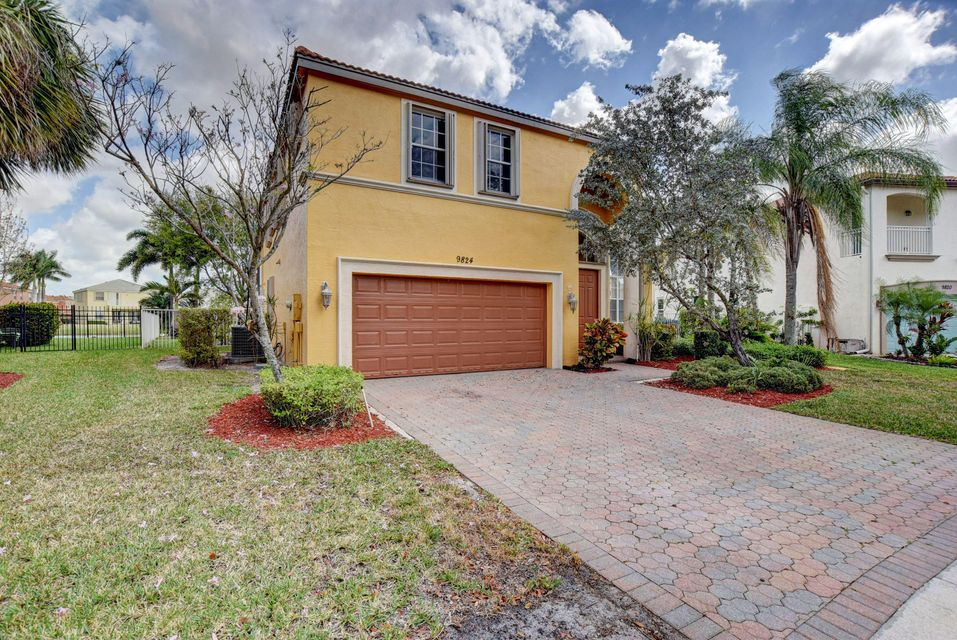 9824 Stover Way Wellington, FL 33414 photo 2