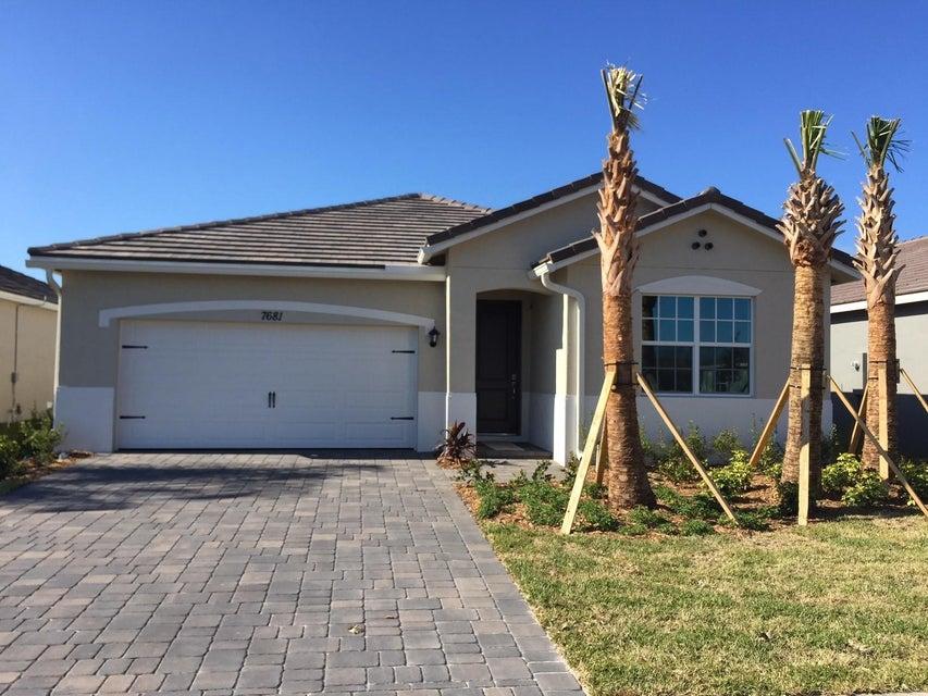 Single Family Home for Sale at 7681 SW Harbor Cove Drive 7681 SW Harbor Cove Drive Stuart, Florida 34997 United States