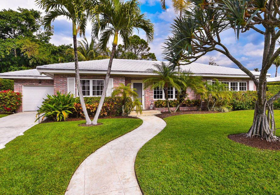 1465 Laurie Lane , Palm Beach FL 33480 is listed for sale as MLS Listing RX-10389199 15 photos