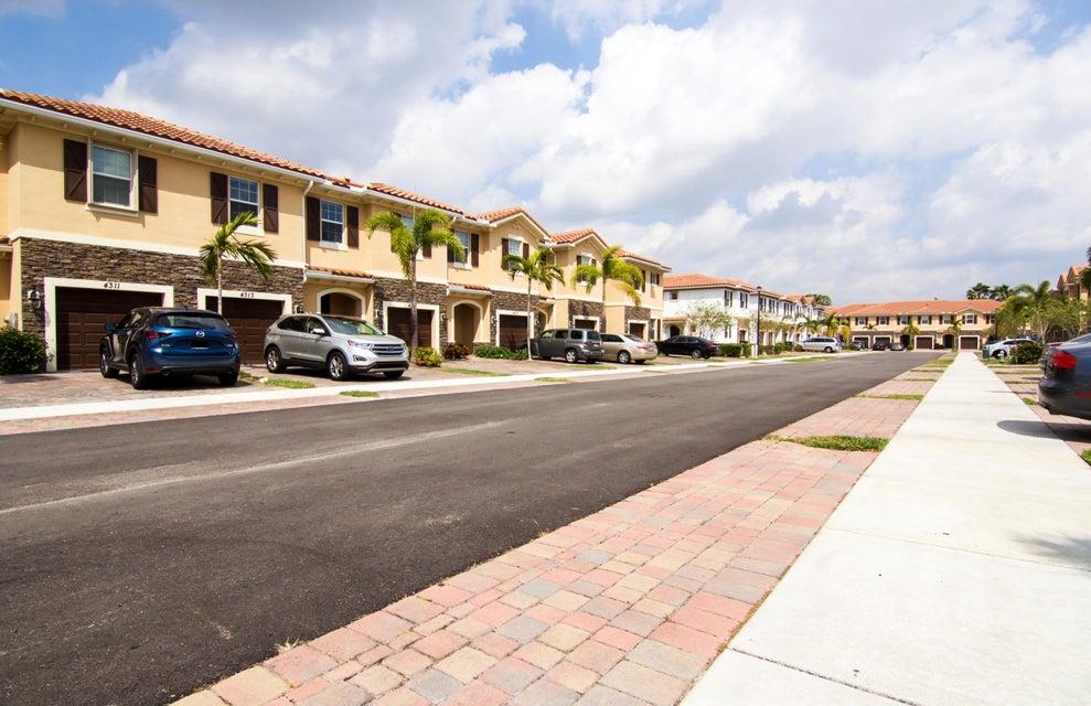 4313 Brewster Lane West Palm Beach, FL 33417 photo 5