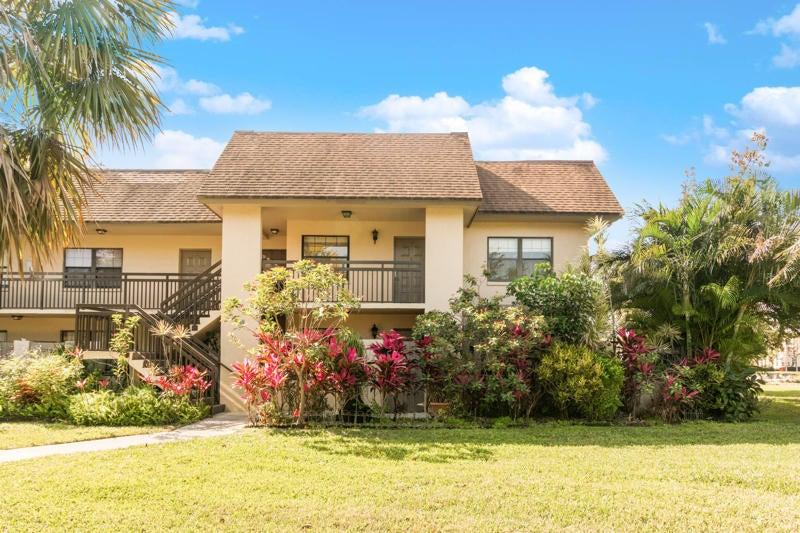 Delray Oaks home on 3107 SW 20th Terrace