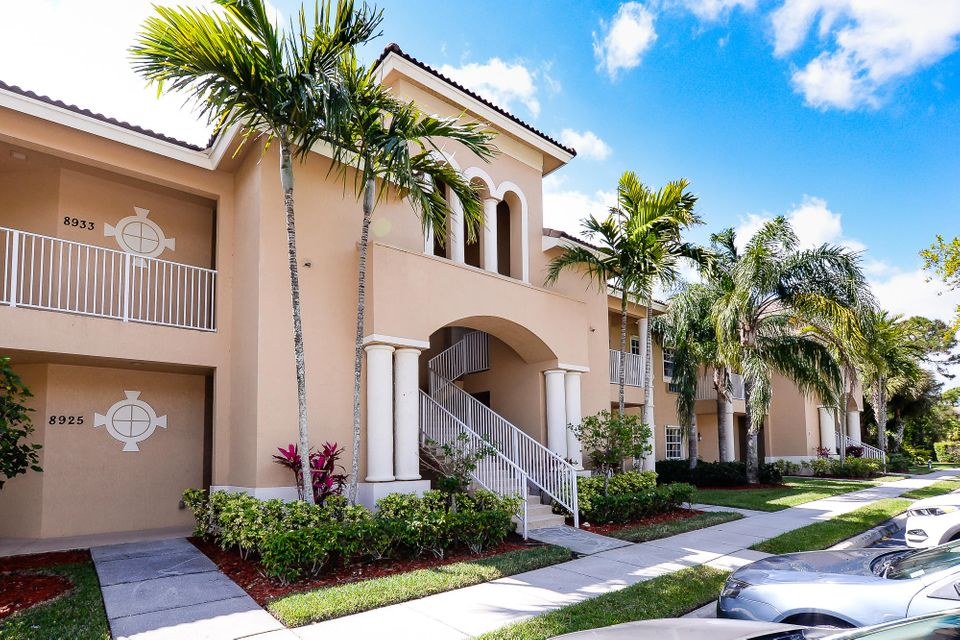 Condominium for Sale at 8935 Sandshot Court # 5522 8935 Sandshot Court # 5522 Port St. Lucie, Florida 34986 United States