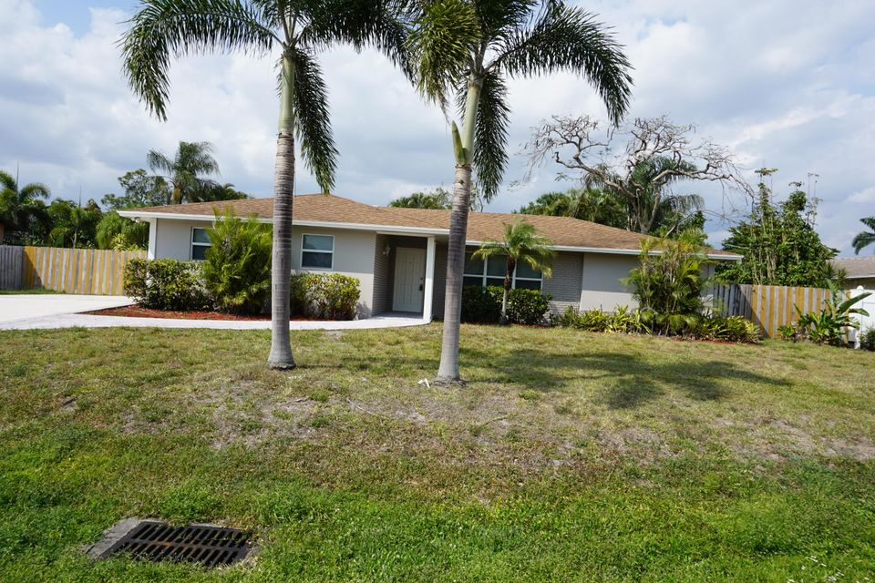 Single Family Home for Rent at 32 W Palm Avenue 32 W Palm Avenue Lake Worth, Florida 33467 United States
