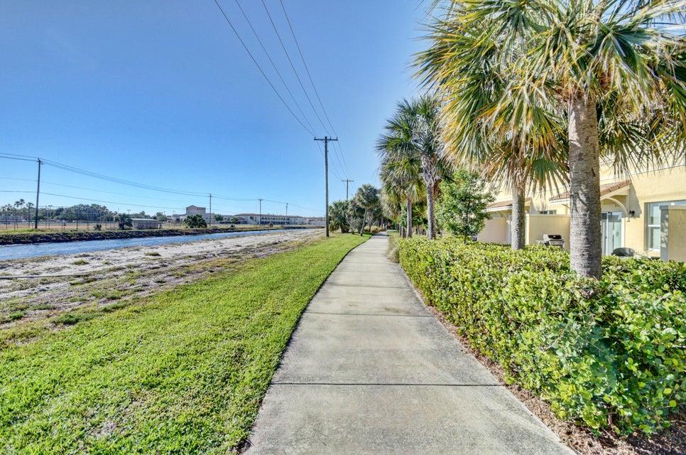 1792 Via Sofia Boynton Beach, FL 33426 - photo 37