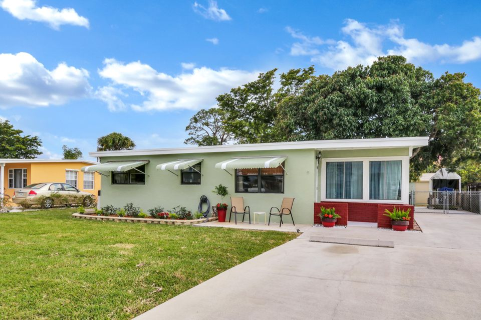 Home for sale in FOREST HILL VILLAGE REPL IN West Palm Beach Florida