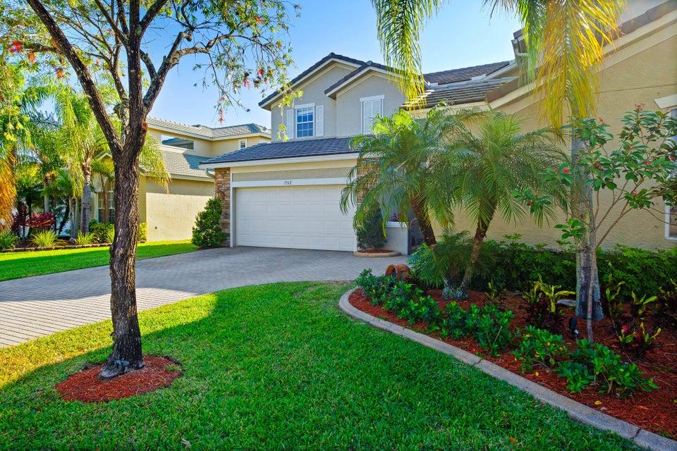 1362 Pebble Ridge Lane West Palm Beach, FL 33411 photo 4