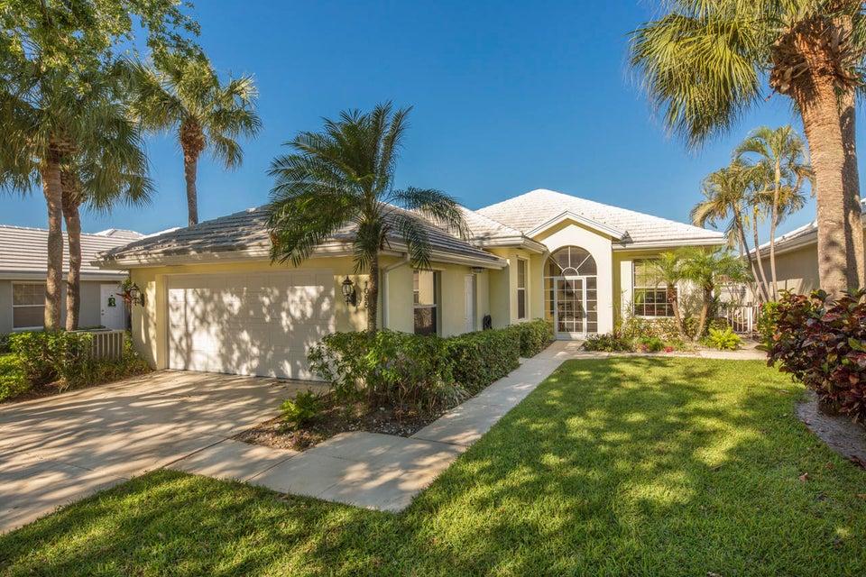 1095 Gator Trail  West Palm Beach, FL 33409
