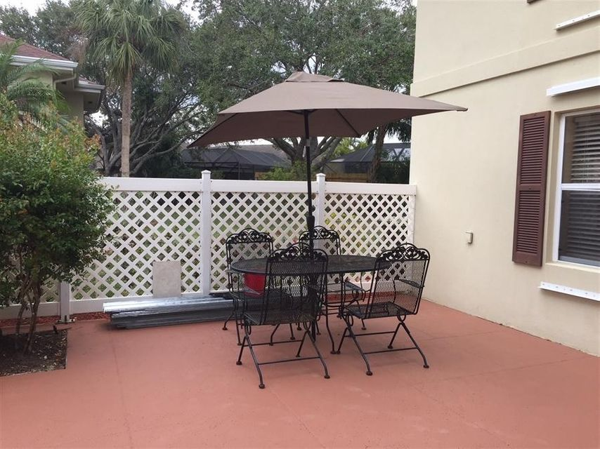 19 Amherst Court D Royal Palm Beach, FL 33411 small photo 3