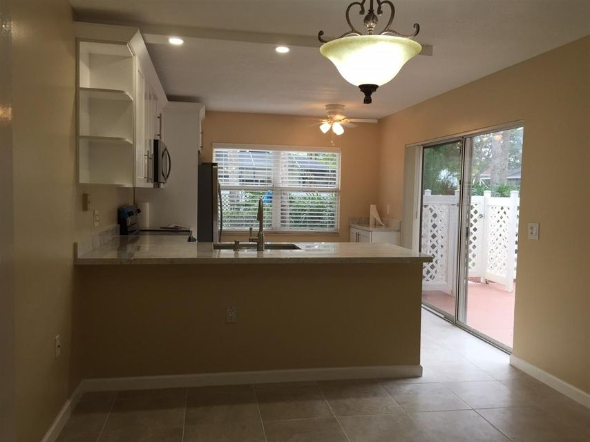 19 Amherst Court D Royal Palm Beach, FL 33411 small photo 7