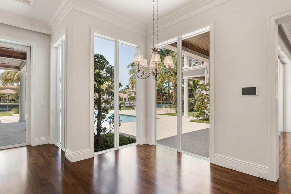 ROYAL PALM YACHT AND COUNTRY CLUB REAL ESTATE
