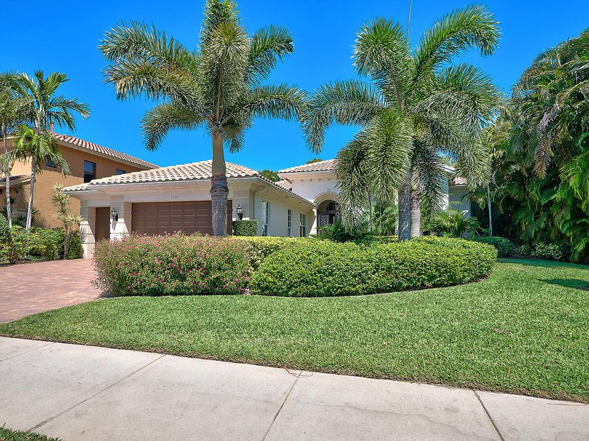 5125 Isabella Drive , Palm Beach Gardens FL 33418 is listed for sale as MLS Listing RX-10418068 18 photos