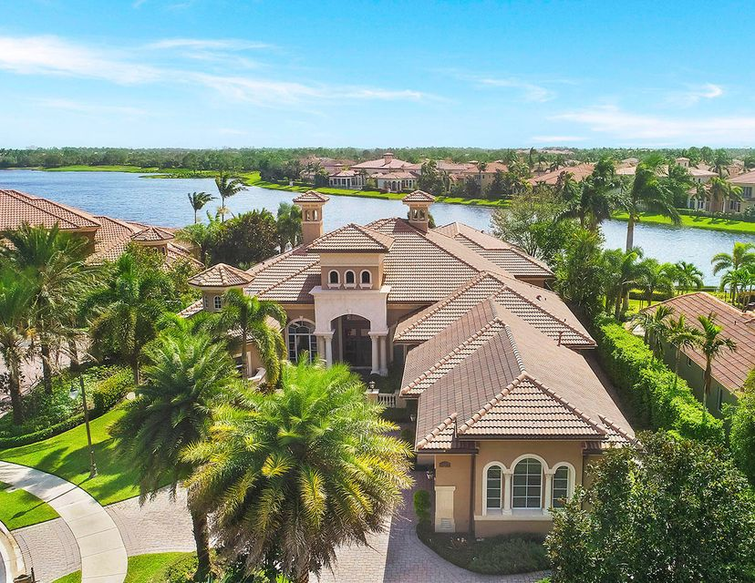 135 Playa Rienta Way , Palm Beach Gardens FL 33418 is listed for sale as MLS Listing RX-10370392 63 photos