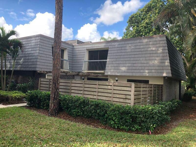 1619 16th Terrace , Palm Beach Gardens FL 33418 is listed for sale as MLS Listing RX-10417736 5 photos