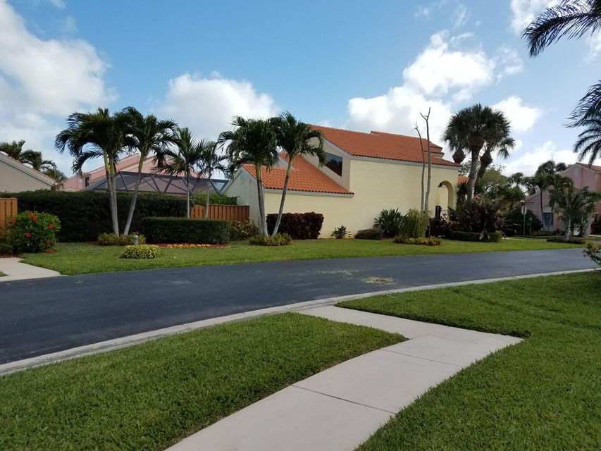 13111 La Lique Court , Palm Beach Gardens FL 33410 is listed for sale as MLS Listing RX-10409270 21 photos