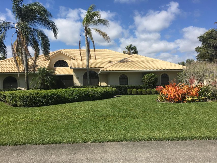 13239 Camero Way , Palm Beach Gardens FL 33418 is listed for sale as MLS Listing RX-10418452 3 photos