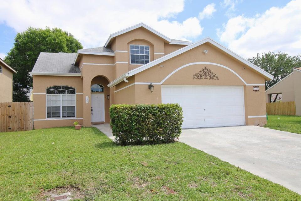 137 Heatherwood Drive  Royal Palm Beach, FL 33411