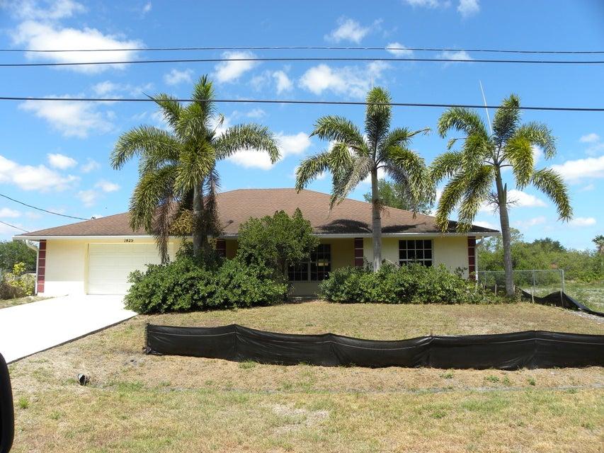 1425 Sw Bougainvillea Avenue