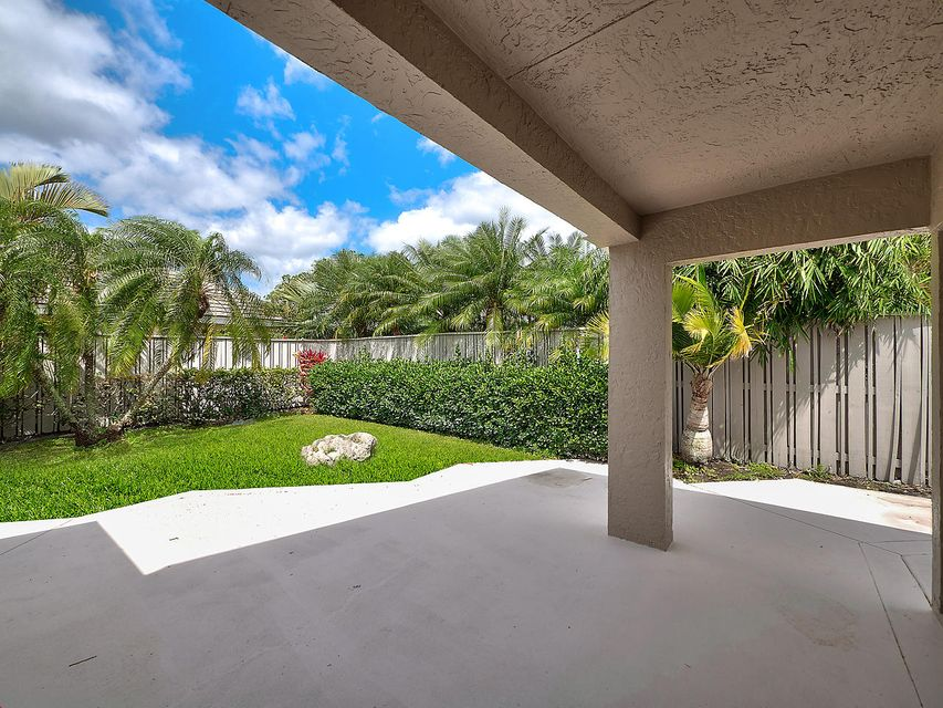11 Commodore Place Palm Beach Gardens, FL 33418 | MLS RX-10416744 ...