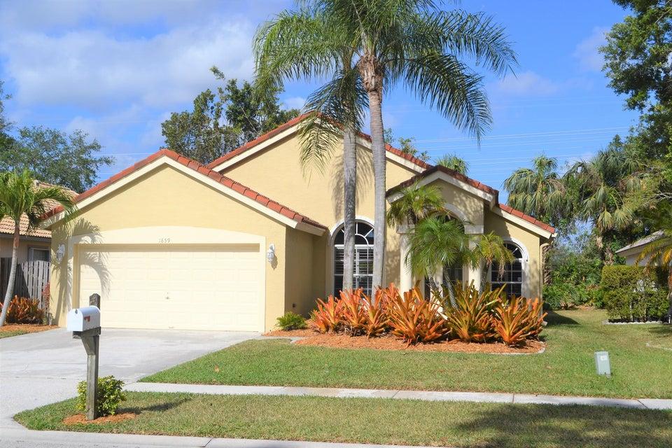 1859 Oak Berry Circle  Wellington, FL 33414