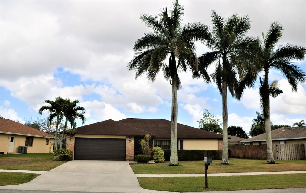 7378 Hazelwood Circle  Lake Worth, FL 33467